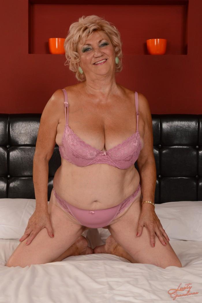 Фото сексуальных голых бабушек фото 72-753