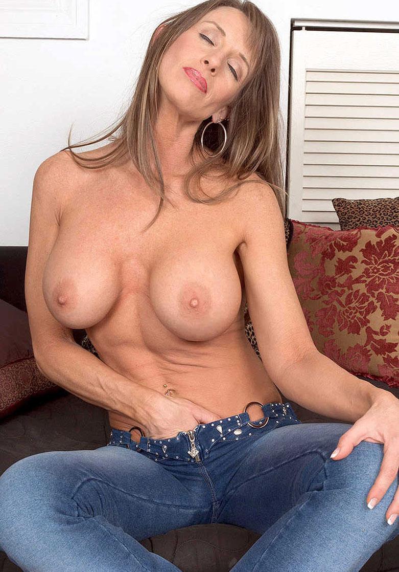 Секс с мамой жены фото 640-742